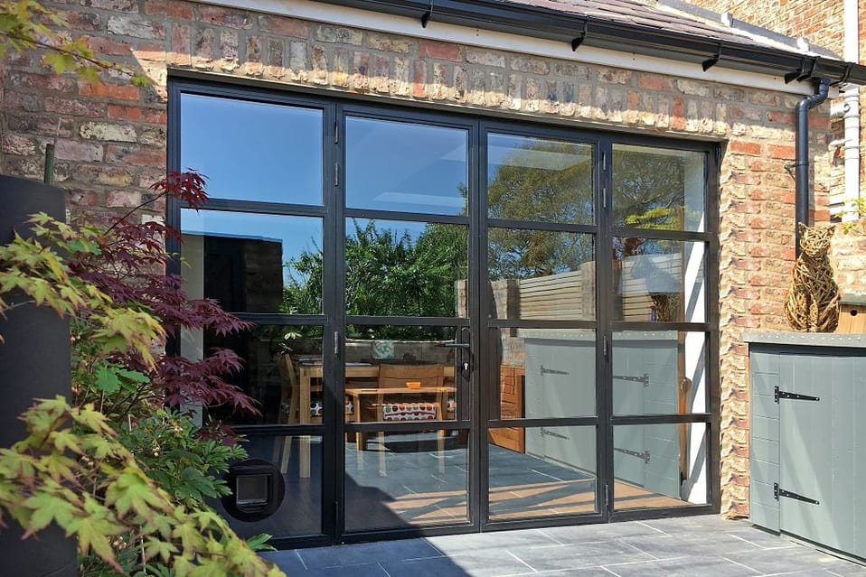 Why to say to want to choose aluminium alloy glass door?